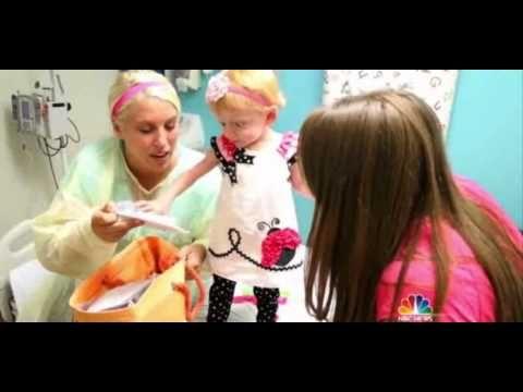 Headbands of Hope Hospital Visit with Vistaprint - YouTube