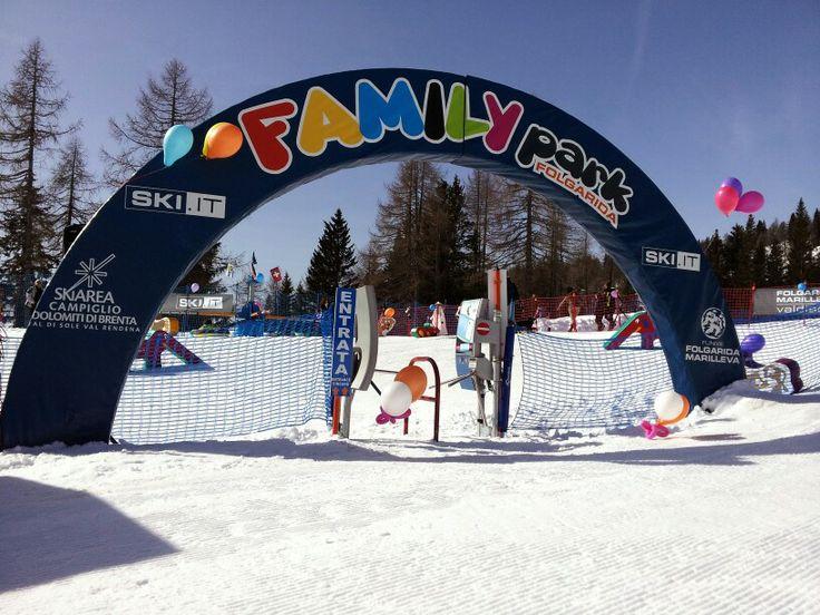 Il luogo ideale per le #famiglie e i #bambini dove poter giocare sulla #neve e cominciare i primi passi sugli #sci in #Trentino. #FamilyPark a #Folgarida #Marilleva in #ValdiSole! Life is #Snow! #Skiarea #Campiglio #Dolomiti di #Brenta