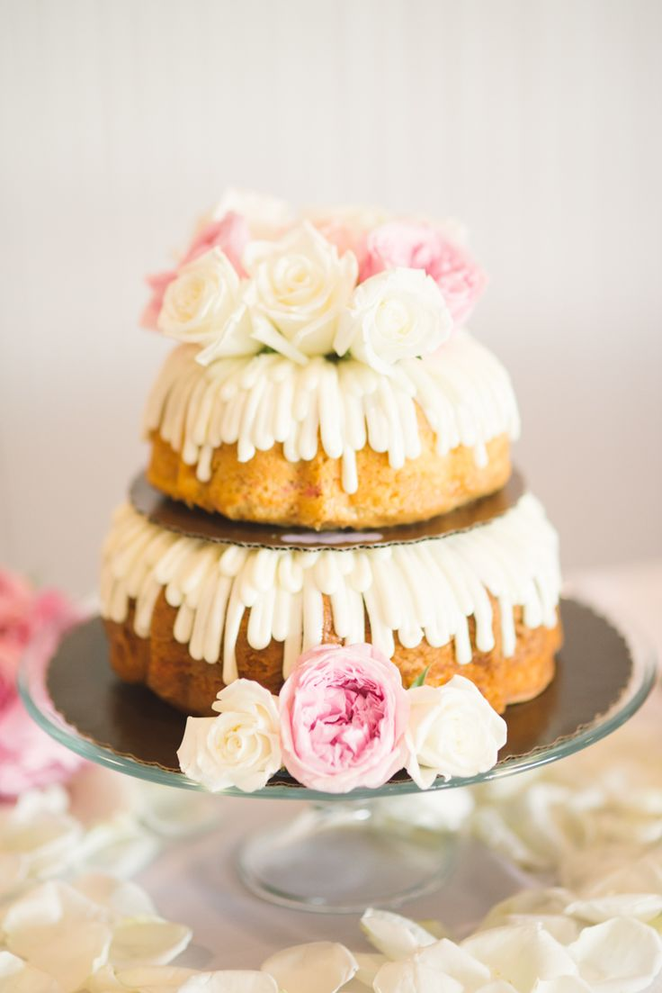 Bundt Cake wedding cake. Photo by Honey Honey Photography www.wedsociety.com #weddings #weddingcake