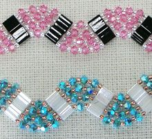 This tila bracelets would make lovely gifts - looks pretty simple but striking.