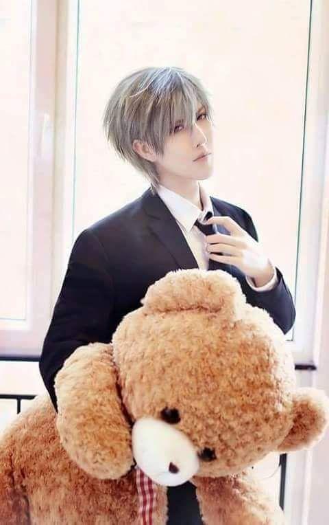 Usagi-san -Junjou Romantica cosplay - THIS IS PERFECT