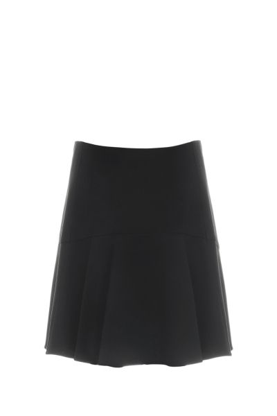 Chloé crepe mini skirt wth A-line silhouette, concealed hook and zip fastening at the back  The model is 1,75m tall and is wearing size 36
