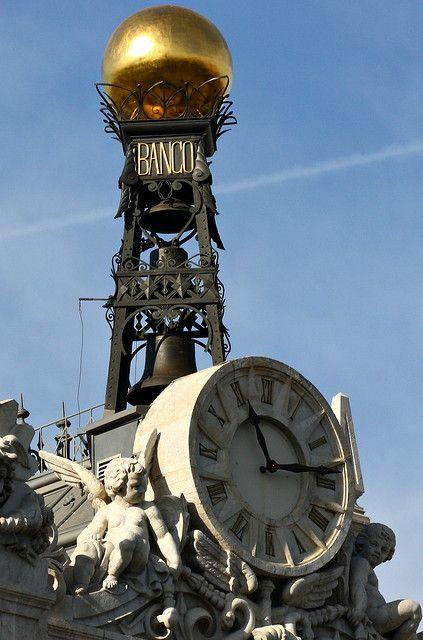 Reloj del Banco de España. Plaza de Cibeles. Madrid Spain