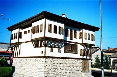 Safranbolu houses were built of stone, brick, wood, brick and tiled the top cover are used.