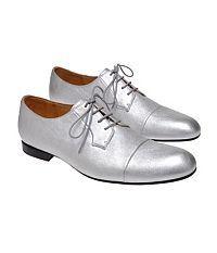 płaskie sznurowane buty na jesień