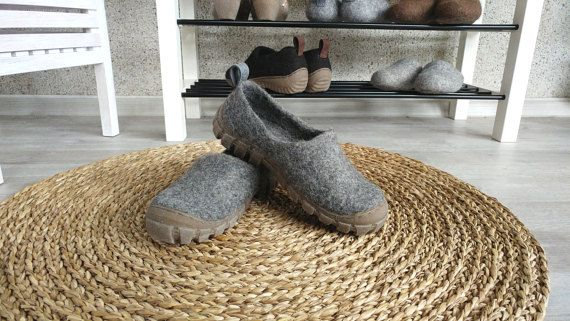 Felt wool outdoor shoes in Grey with sturdy rugged by WoolenClogs
