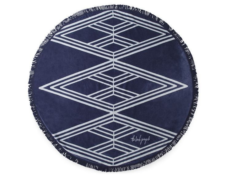 http://www.lovecreativepeople.com/fr/produit/types/couvertures-tapis/grande-serviette-de-plage_the-beach-people
