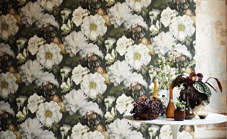 Herbaria Wallcovering Obsidian - Black Edition by Romo