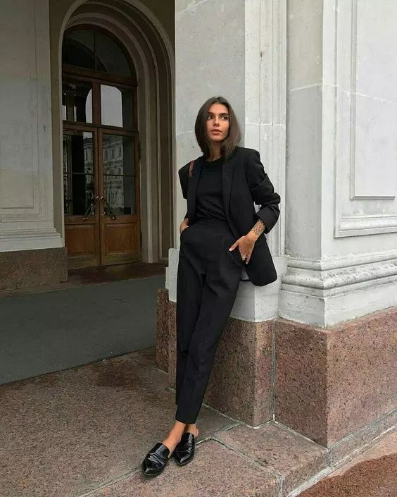 How To Wear All-Black: 30 Looks Will Inspire You – Styling Tips