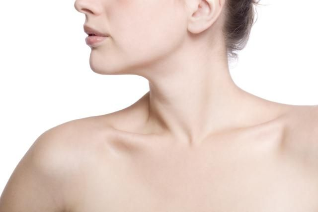Thyroid Disease and Chronic Hives: Autoimmune Urticaria: Chronic hives are frequently linked to an underlying thyroid dysfunction.