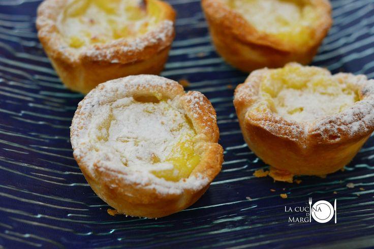 Facebook0 Google + Per fare queste pastine alla crema, mi sono ispirata alle Pasteis de Nata, dolcetti portoghesi. Sono dei guscetti di pasta sfoglia ripieni di crema pasticcera. Ci vuole … Continua a leggere→