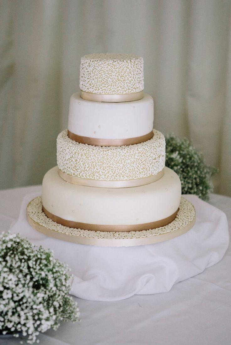 Viscount gort wedding cakes
