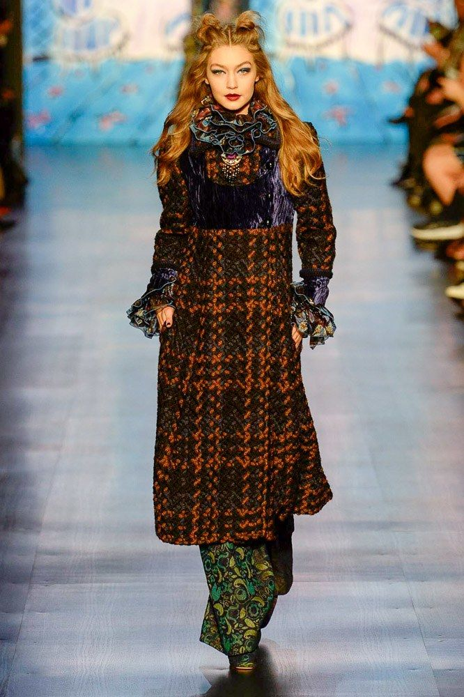 Gigi Hadid for Anna Sui Fall 2017 Ready-to-Wear Collection Photos - Vogue