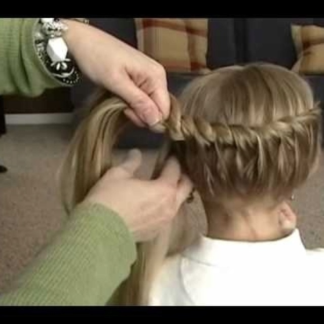 Half crown braid
