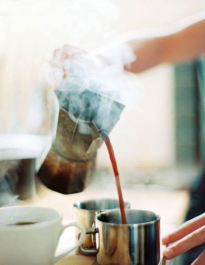 Making coffee with a percolator is very nice! It tastes awesome!