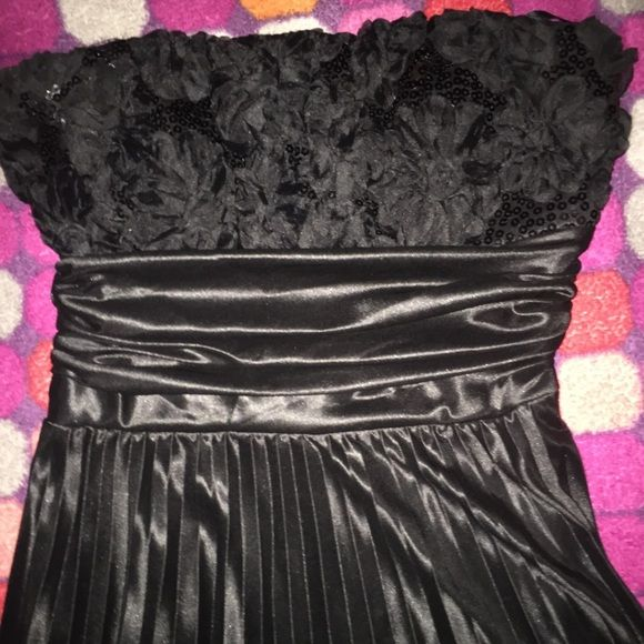 """💕Black,long,formal dress💕 GREAT CONDITION, only worn for 3hrs as a bridesmaid. This strapless, elegant, long, speechless brand formal dress is all you need for that special occasion! Excellent deal because I paid $105 Davids Bridal """"speechless"""" Dresses Strapless"""