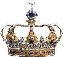 Un recortable de la Corona de los Reyes Magos para los más pequeños de la casa o para aquellos que tengan que ponerse en el papel.