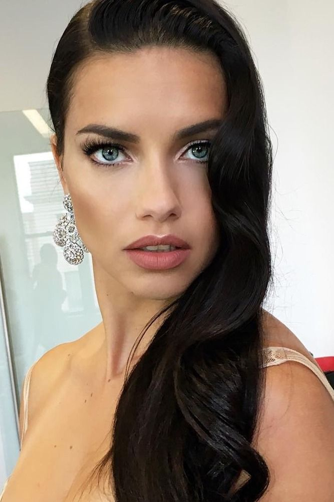 If you've ever desired a supermodel-status mane, look no further than Adriana Lima's tips for shiny hair. She swears THIS one food is the secret to that sparkle in her hair...