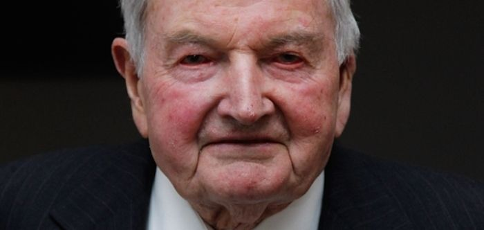 David Rockefeller breaks the world record for having the most heart transplants aged 101