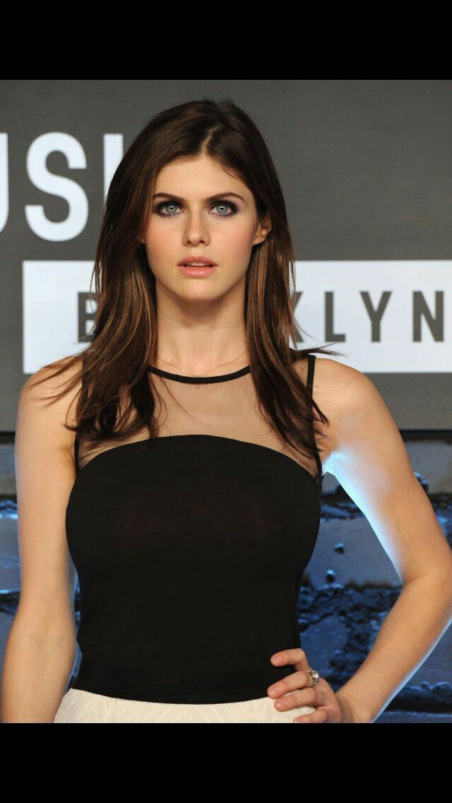 Alexandra Daddario - Hollywood actress