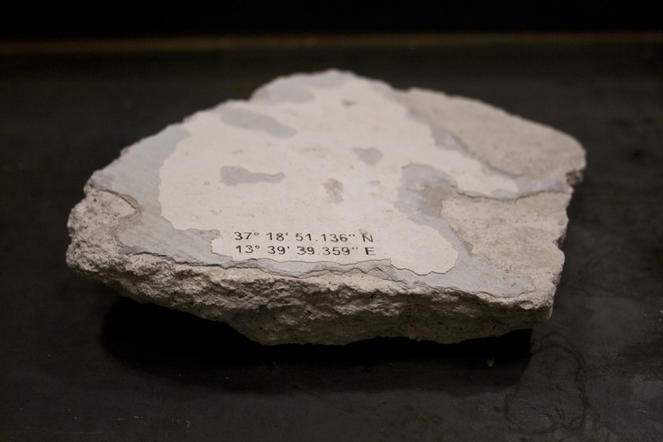 Carmelo Nicotra, 37° 19 ′ 07″ N 13° 39 ′ 47″ E, Plaster fragments, 2012 / Zelle Arte Contemporanea