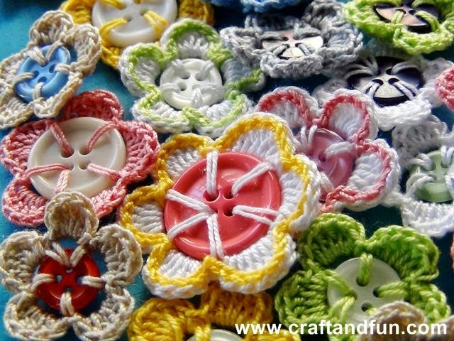 Creative Recycling - how to make crochet flowers with buttons tutorial