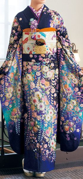 Awesomeness, the kimono is a gorgeous work of art