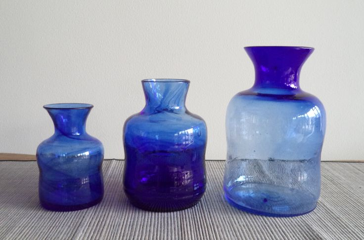 Your living room will be perfect with our Vase Biru. We have 3 size: small, medium, and large.