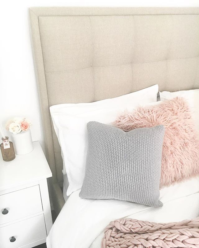 Hello all my lovely friends 💕 I've been a little quiet on here since I came back from Sydney. Just a tad busy but I just bought a new bed and im so in loooveeee 💗💗 What do you think? Xx • • • • • • • • • • #style #styleblogger #styleblog #stylist #productstyling #blogger #interior4all #instastyle #igstyle #scandistyle #scandinaviandesign #scandinavianinterior #nordicdesign #decor #decorlove #interior9508 #interiorforinspo #vscocam #scandinavian #instalike #instadaily #photographer…