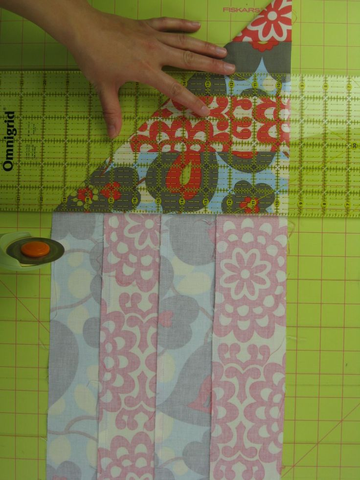 Cutting a perfect square from sewn strips