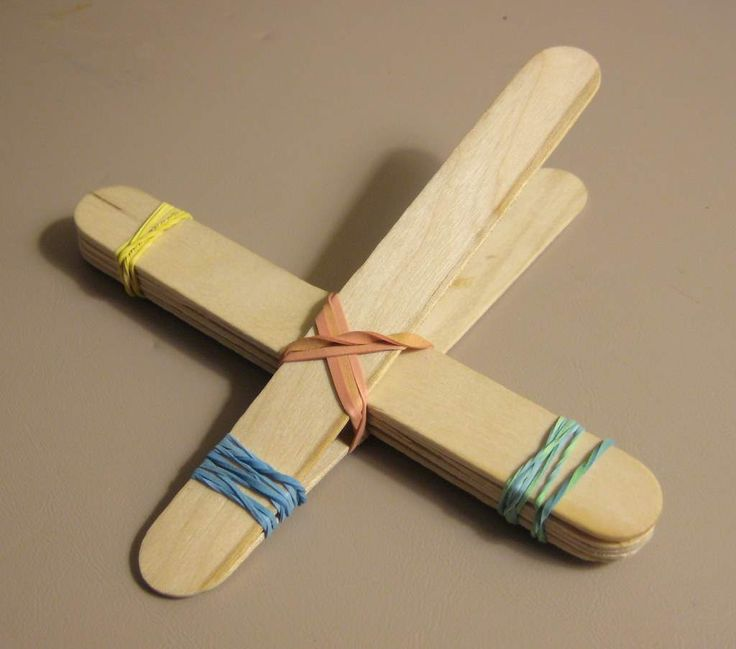 school crafts out of cans | Step 5 – Tie a rubber band in a cross fashion joining the two pieces ...