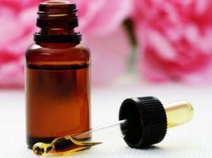 Cómo hacer aceite de rosas