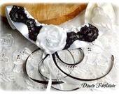 Jarretière en dentelle noir et blanc satin accessoire de mariée : Autres accessoires par douce-fantaisie