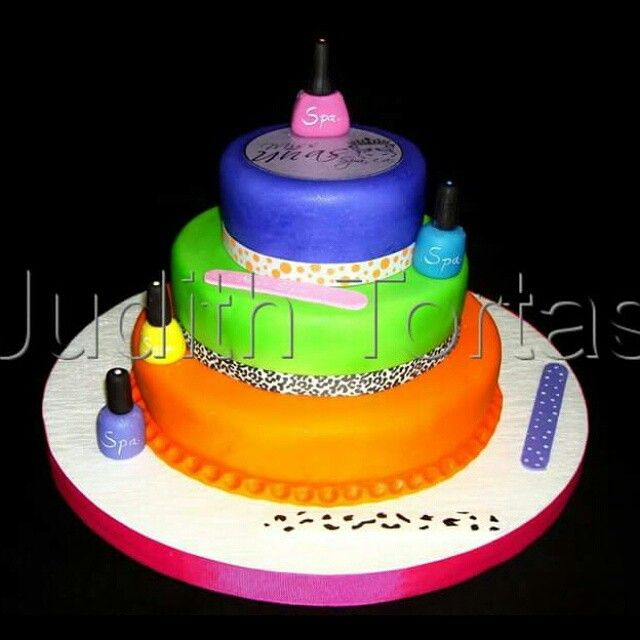 "Cake Fondant Nails: Torta Decorada Con Fondant ""Nails Spa"""