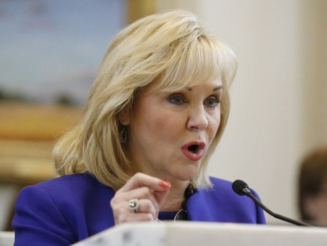 Governor Bans Minimum Wage Increases And Paid Sick Leave Laws. At a time when many states and cities are working passing minimum wage increases, Oklahoma Gov. Mary Fallin (R) has gone in the opposite direction and signed a law banning cities from passing higher wages. The bill also bans them from enacting paid sick days or vacation requirements.