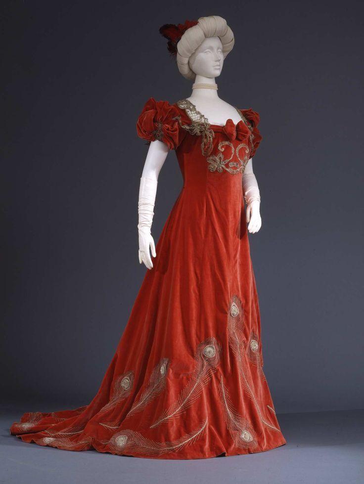 Evening dress in red silk velvet with metal bobbin lace trim, ca. 1902, Galleria del Costume di Palazzo Pitti, 00000192