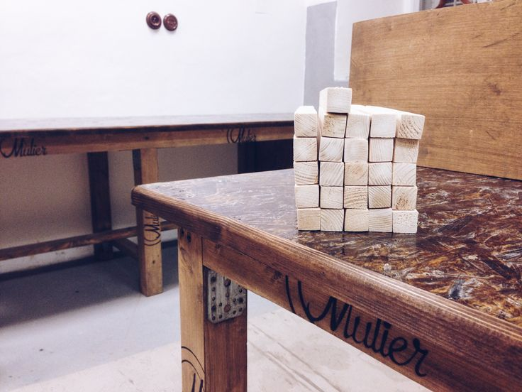 Nová porcelánka Mulier. Vyrábíme ručně porcelánové vypínače a zásuvky.