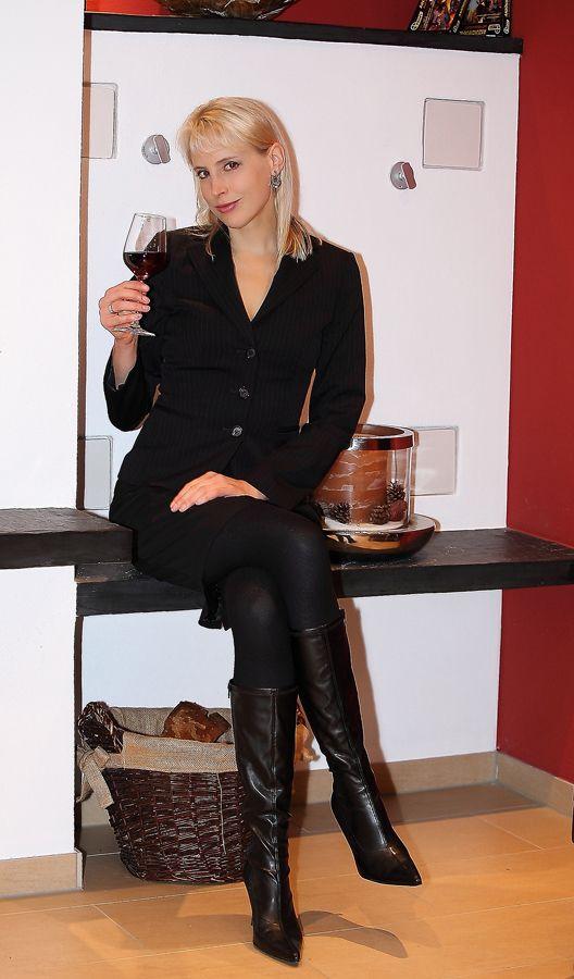 82 best boots images on pinterest boots short skirts. Black Bedroom Furniture Sets. Home Design Ideas
