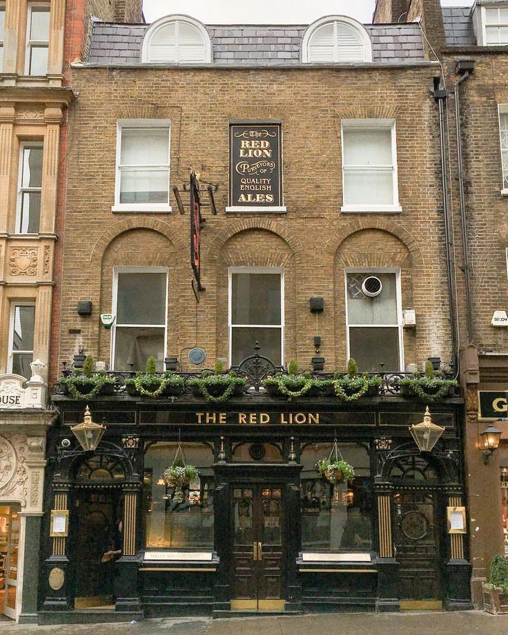 Pub in St James's, London