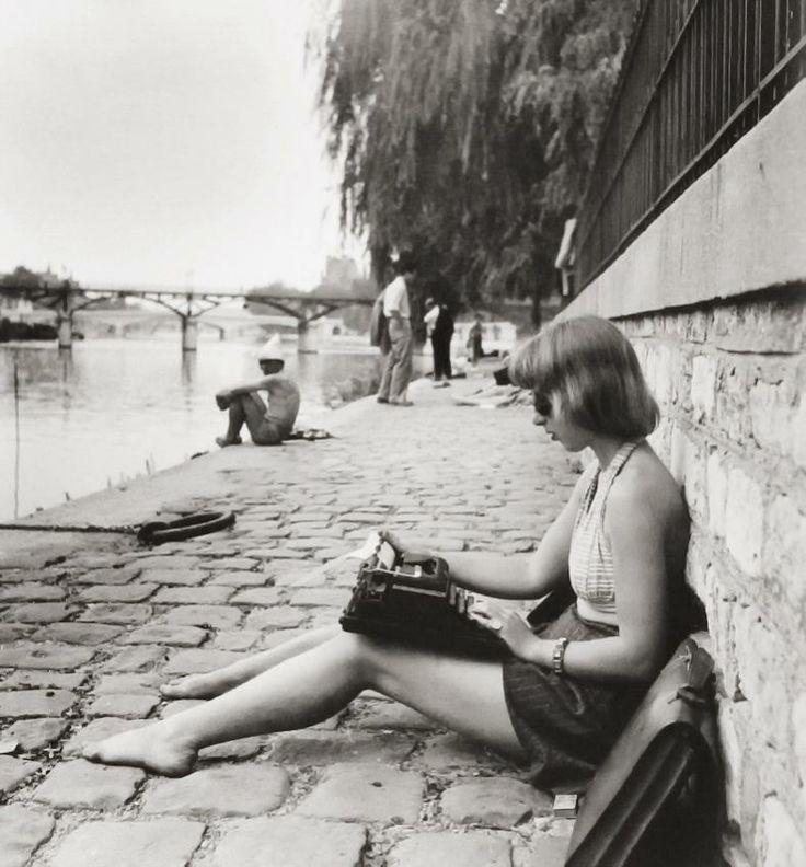"""Creating a better place to work. """"La dactylo du Vert Galant"""" Robert Doisneau - Paris, 1947"""