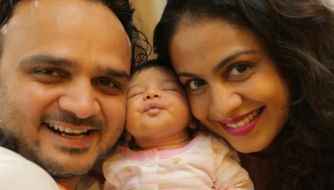 These Pictures Of Manasi Parekh With Her Baby Girl Are Overloaded With Cuteness - BollywoodShaadis.com