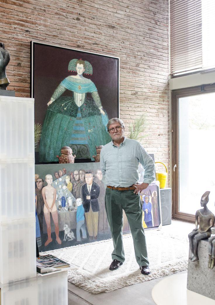 Gonzalo Cienfuegos, destacado artista nacional. Embajador de nuestra marca viste de Saville Row SS16. Abre las puertas de su casa y taller en donde pudimos conocer de forma más cercana parte de su trabajo. Conoce más de Gonzalo en: http://www.gonzalocienfuegos.com