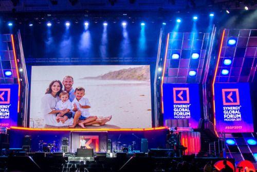 Секреты счастья от Ника Вуйчича  Знаменитый австралиец сербского происхождения меценат оратор и писатель выступил на Synergy Global Forum-2017 в Москве в Олимпийском.  http://ift.tt/2itUvx1  #LiveWithoutLimits #NickVujicic #Sgf2017 #Synergy #Synergyglobalforum #Марафон #НикВуйчич #Саморазвитие #Синергия #Трансформация #Школабизнесасинергия
