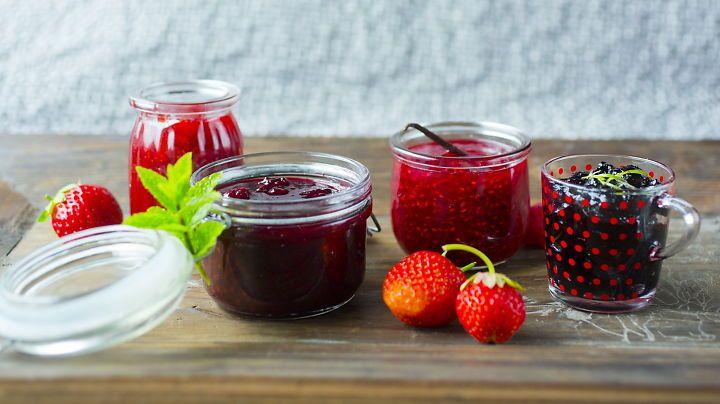 Lag hjemmelaget syltetøy og saft av sommerens frukt og bær