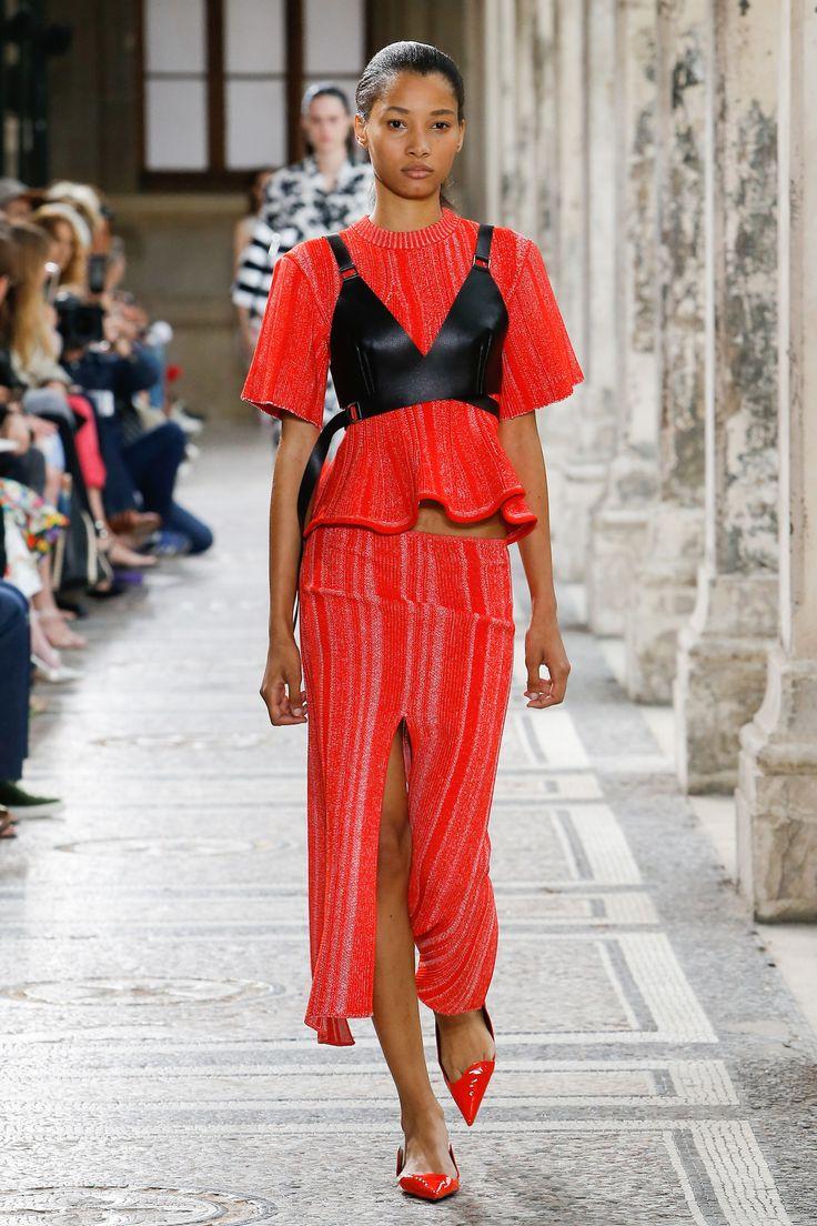 Proenza Schouler Spring 2018 Ready-to-Wear Collection Photos - Vogue