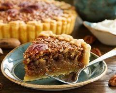 Pecan pie au sirop d'érable http://www.cuisineaz.com/recettes/pecan-pie-au-sirop-d-erable-81553.aspx