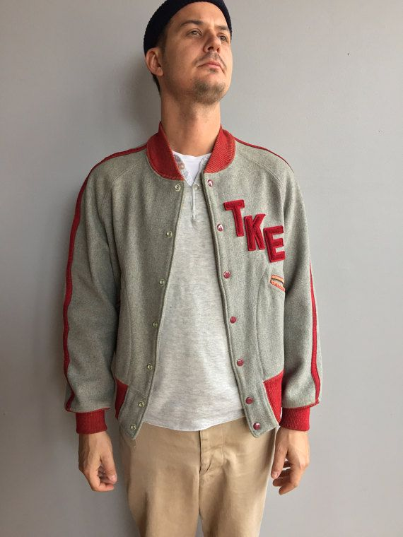 1950s grigio lana Varsity Jacket TKE con accenti rossi. TKE Varsity lettere.