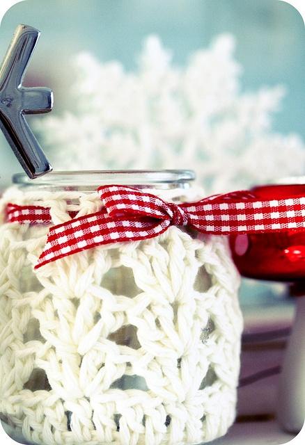 Tarros de cristal con decoracion de crochet para Navidad