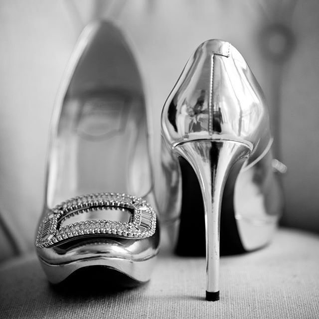 @rogervivier shoes ❤️ to die for  #gmphotographics #wedding #love #weddingshoes #heels #chanel #professionalphotographer #sydneyphotographer #canonmasterphotographer #masterphotographer #instabride #rogerviviershoes