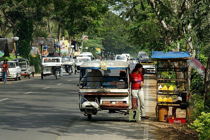 Puerto Princesa, station service pour tricycle